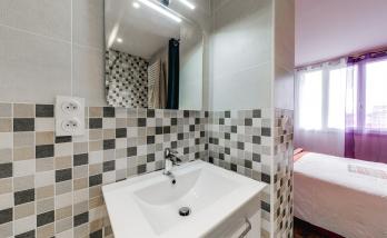 Rénovation salle de bains carrelage métro - Biarritz -