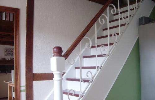 rénovation peintures et décoration entrée et escalier intérieur - Guétary -