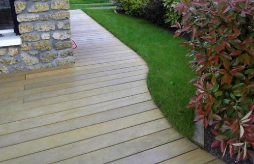 terrasse en bois - restauration abords façades après pose laqmes sur salle - Biarritz -